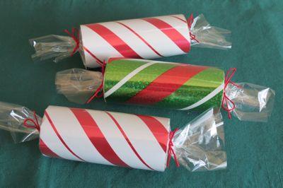 Упаковка подарка цилиндрической формы 38
