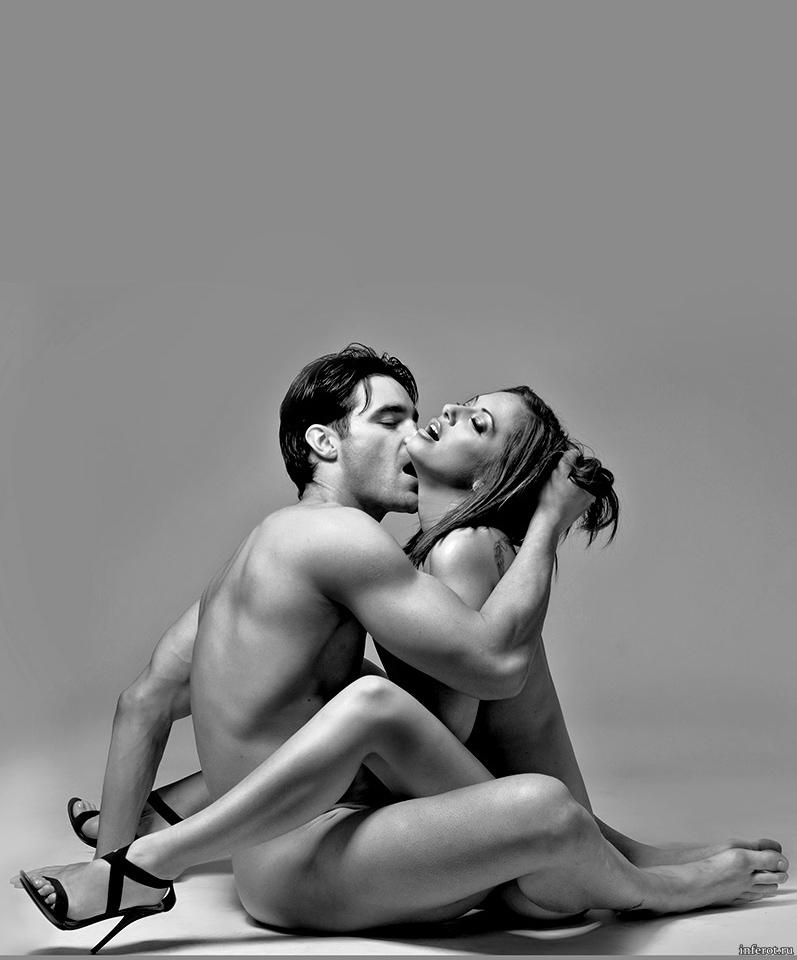 Эротическая фотография парня с девушкой