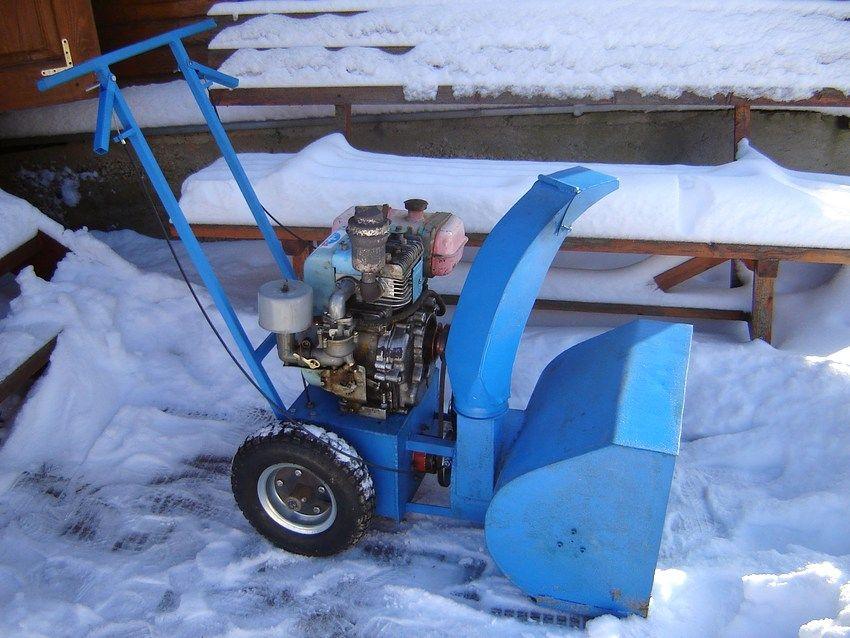 Снегоуборочная машина своими руками из бензопилы дружба