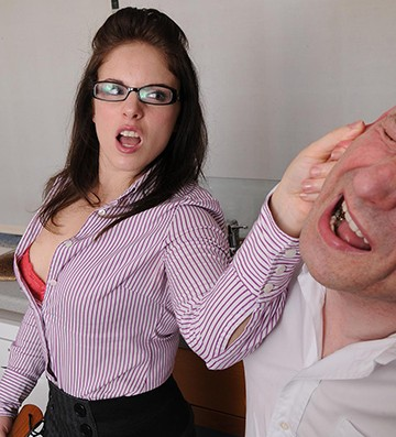 Порно жена расплатилась онлайн84